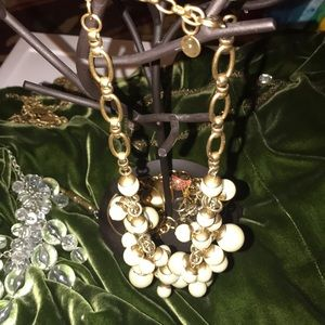 Stella & Dot gold tone chain and lg,med &sm pearls